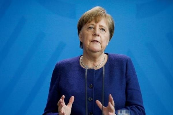 Меркель заявила, что ФРГ вступает в «новую фазу пандемии»