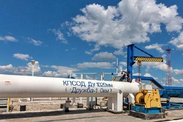 Транзит нефти через Украину упал почти вполовину