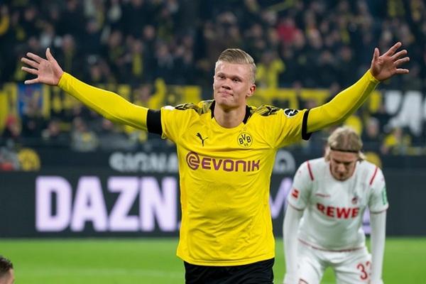 Холанд забил первый гол в Бундеслиге после ее возобновления