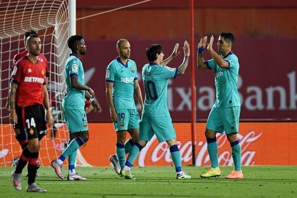 Барселона разгромила Мальорку в первом матче после возобновления Ла Лиги
