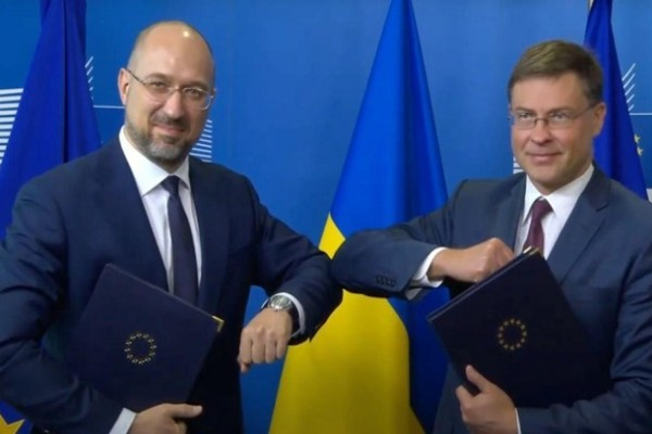 Украина и ЕС подписали соглашение о кредите на 1,2 млрд евро