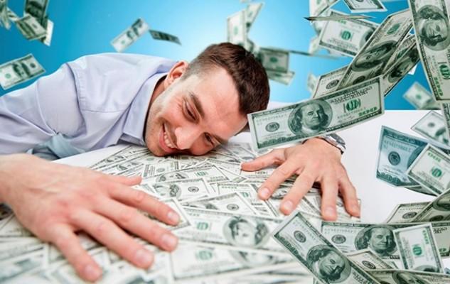 Деньги стали приносить людям больше счастья, чем раньше — ученые