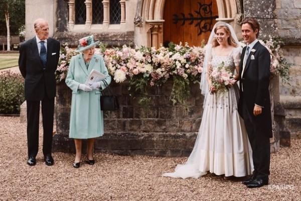 Британская принцесса вышла замуж в старом платье