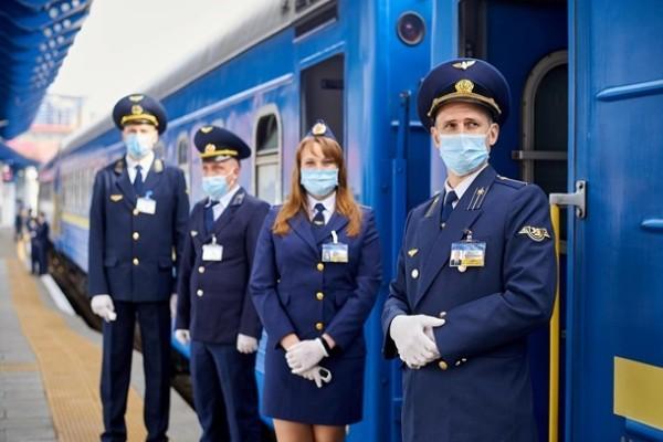 Укрзализныця отменила ряд ограничений для сотрудников