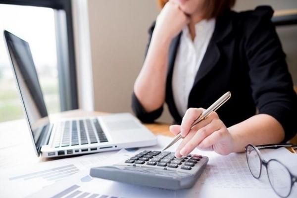 Бизнес в Украине планирует сокращение персонала