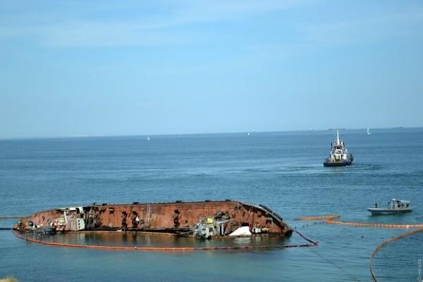 Капитану танкера Delfi дали год испытательного срока
