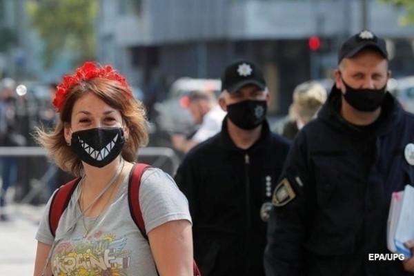 В Украине меняют стратегию по коронавирусу
