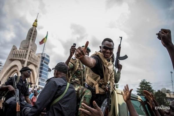 Африканский союз приостановил членство Мали