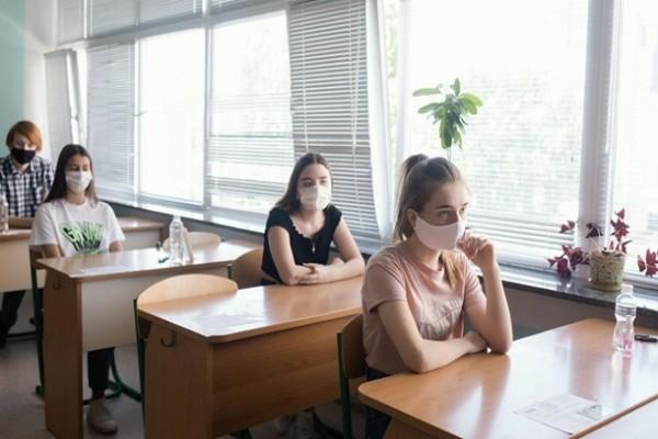 В Украине проверят школы и детсады в красной зоне