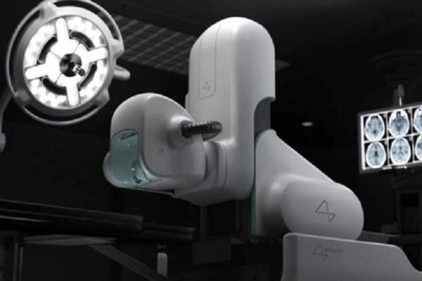 Представлен робот-хирург для установки нейро-чипа