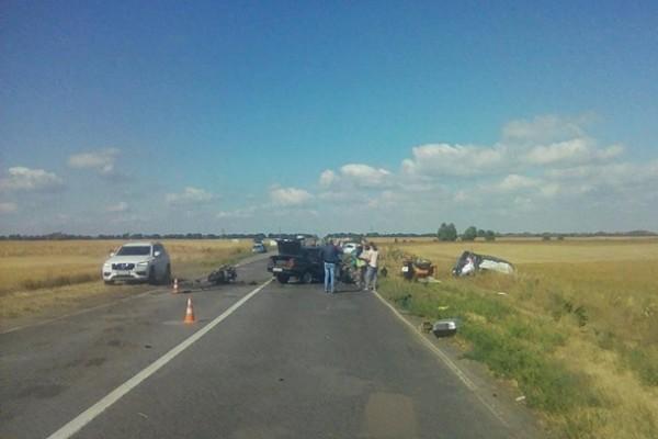 На Киевщине два человека погибли в масштабном ДТП