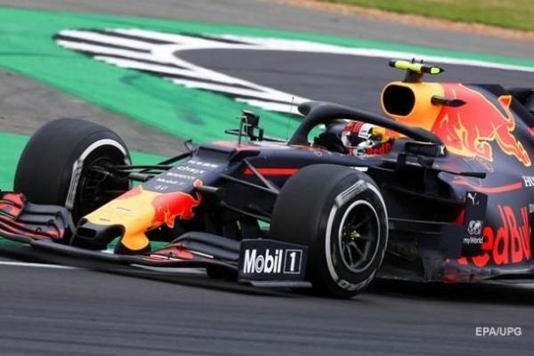 Гонка Формулы-1 впервые с марта прошла со зрителями