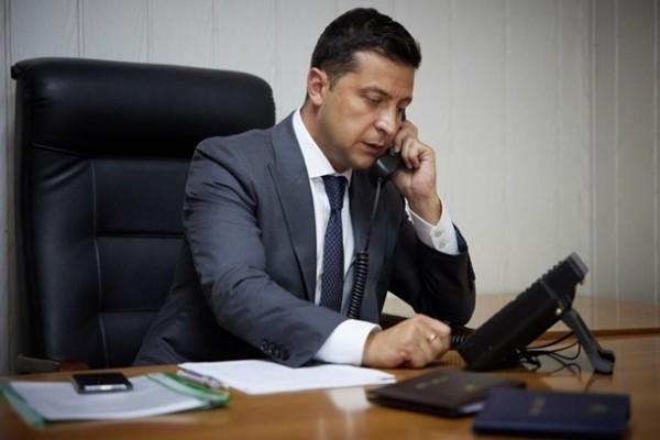 Зеленский обсудил с Алиевым пандемию и Донбасс