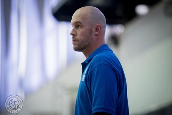 Американский тренер Николаева подал в отставку из-за коронавируса в Украине
