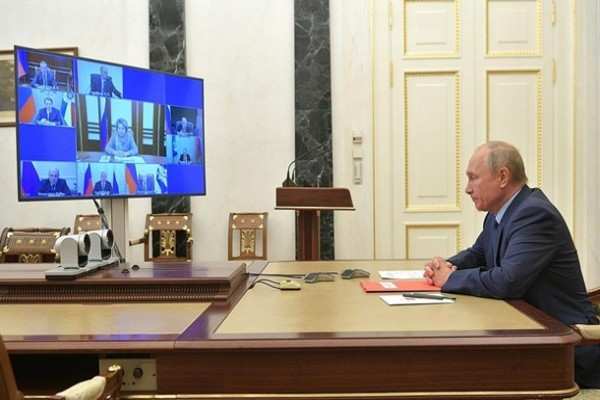 Путин предложил продлить договор СНВ-3 на год