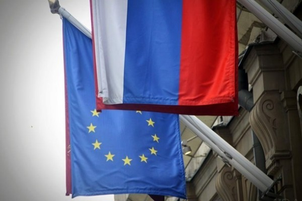 В РФ назвали незаконными санкции ЕС за Навального