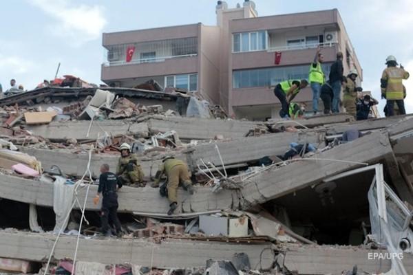 Выросло число жертв землетрясения в Турции