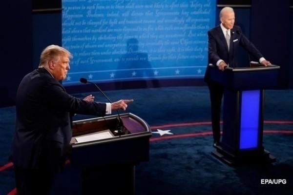 Трамп опережает Байдена в ключевых штатах — опрос