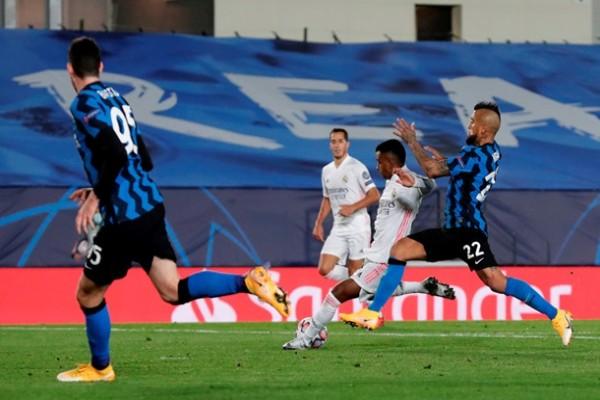 Реал обыграл Интер и догнал Шахтер в турнирной таблице