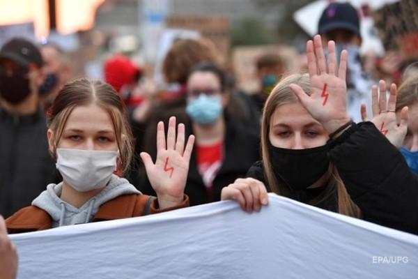 Польша отложила ужесточение закона о запрете абортов