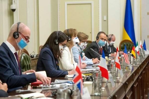 Послы G7 обсудили с Разумковым ситуацию по КСУ