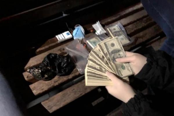 В Ровенской области задержан полицейский на взятке в $100 тысяч
