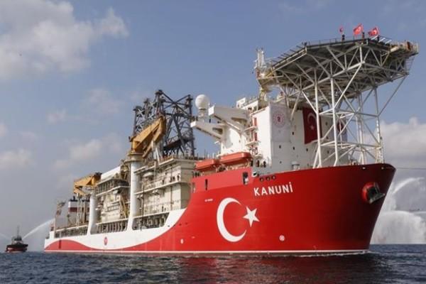 В Черное море прибыло еще одно буровое судно Турции