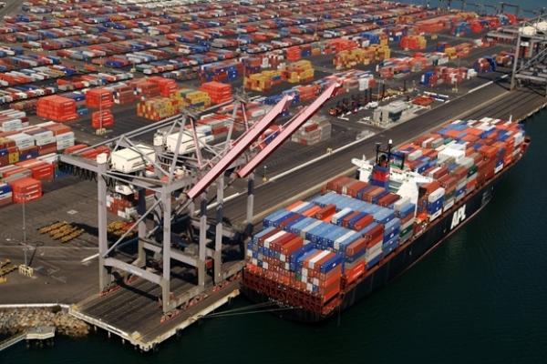 Германия: Санкции мало влияют на торговлю с РФ