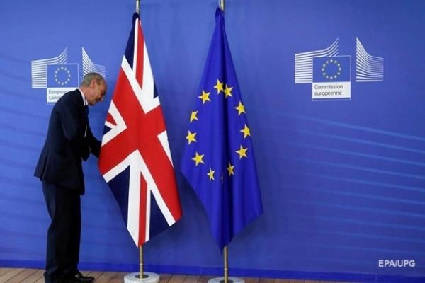 Великобритания и ЕС согласовали торговую сделку по Brexit – СМИ