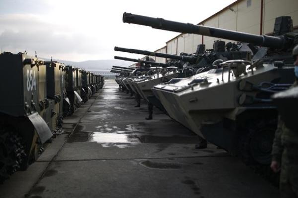 В России военные случайно попали из пушки в Детский мир