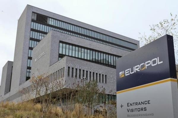 Европол предупредил о мошенничестве с COVID-вакцинами