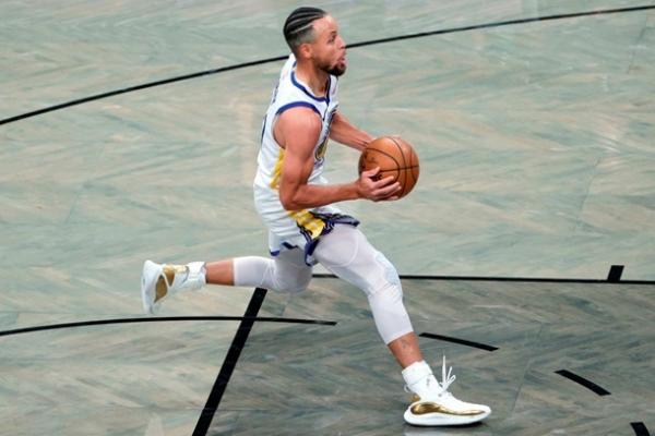 Карри установил два невероятных достижения в НБА