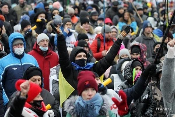 В Украине почти 9 000 новых случаев COVID
