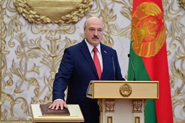 Лукашенко назвал условия своего ухода с поста президента Беларуси