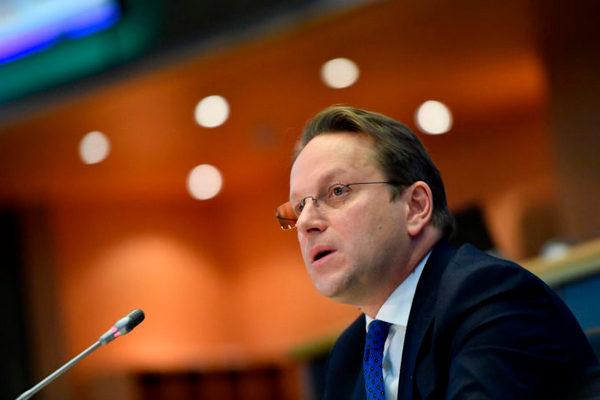 Изменять Соглашение об ассоциации Украины с ЕС необходимости нет — еврокомиссар Вархеи