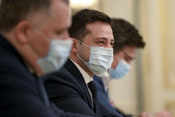 Президент попросил помощи у Литвы с COVID-вакциной