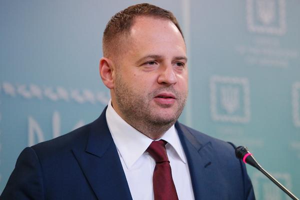 Ермак назвал причины падения рейтинга Зеленского