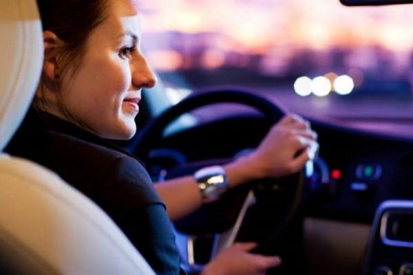 ОАЭ признали водительские удостоверения Украины