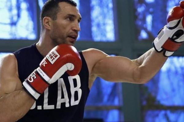 Усик оценил вероятность возвращения Кличко в бокс