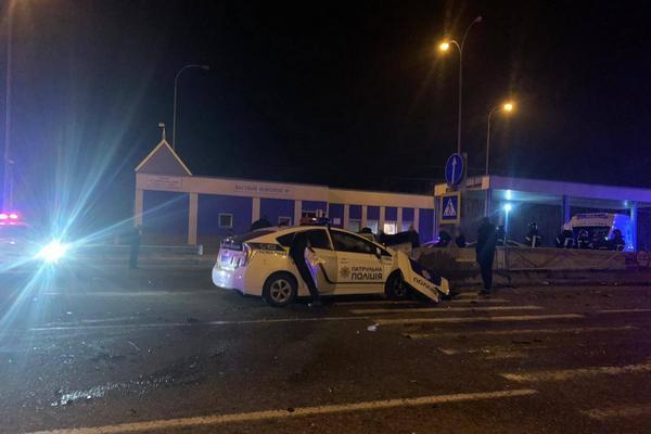 Под Одессой автомобиль полиции стал участником ДТП. Один человек погиб, трое травмированы