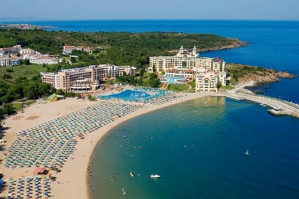 Болгария сообщила, когда откроется для туристов