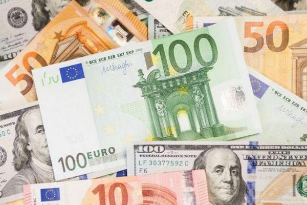 НБУ назвал периоды пиковых выплат по внешнему долгу в 2021 году