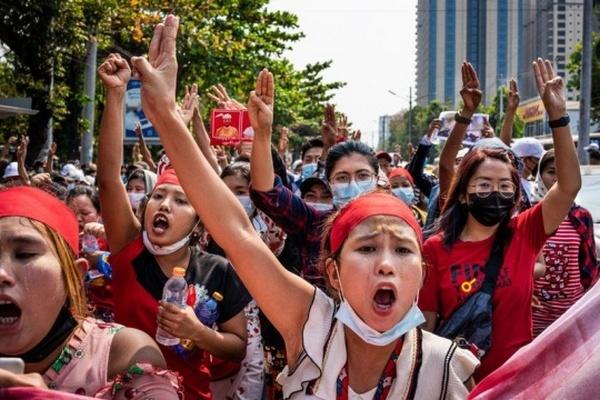 Выходцы из Мьянмы получили в США статус временно защищенных лиц