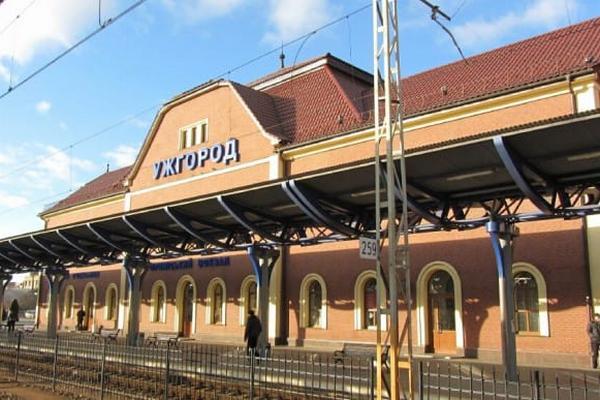 УЗ приостанавливает продажу билетов на поезда в «красное» Закарпатье