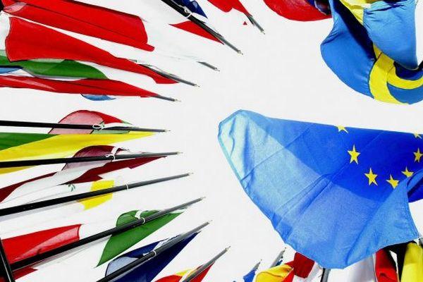 ЕС сохранит ограничения на поездки, но начнет подготовку к ослаблению