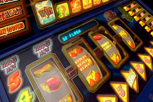 В Раде хотят пересмотреть налоги для азартных игр и лотерей: что меняется
