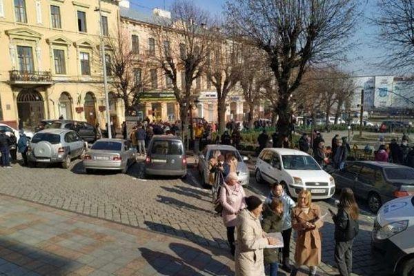 В Черновцах предприниматели вышли на карантинный протест