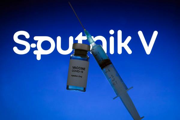 Мэр Ниццы просит власти Франции разрешить ему купить вакцину «Спутник V «