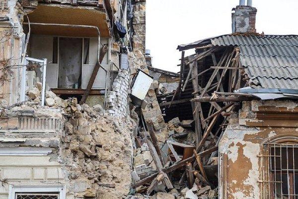 Памятник архитектуры. В Одессе обрушилась часть старинного дома
