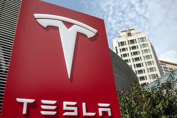 LG планирует поставлять Tesla новые батареи для электрокаров